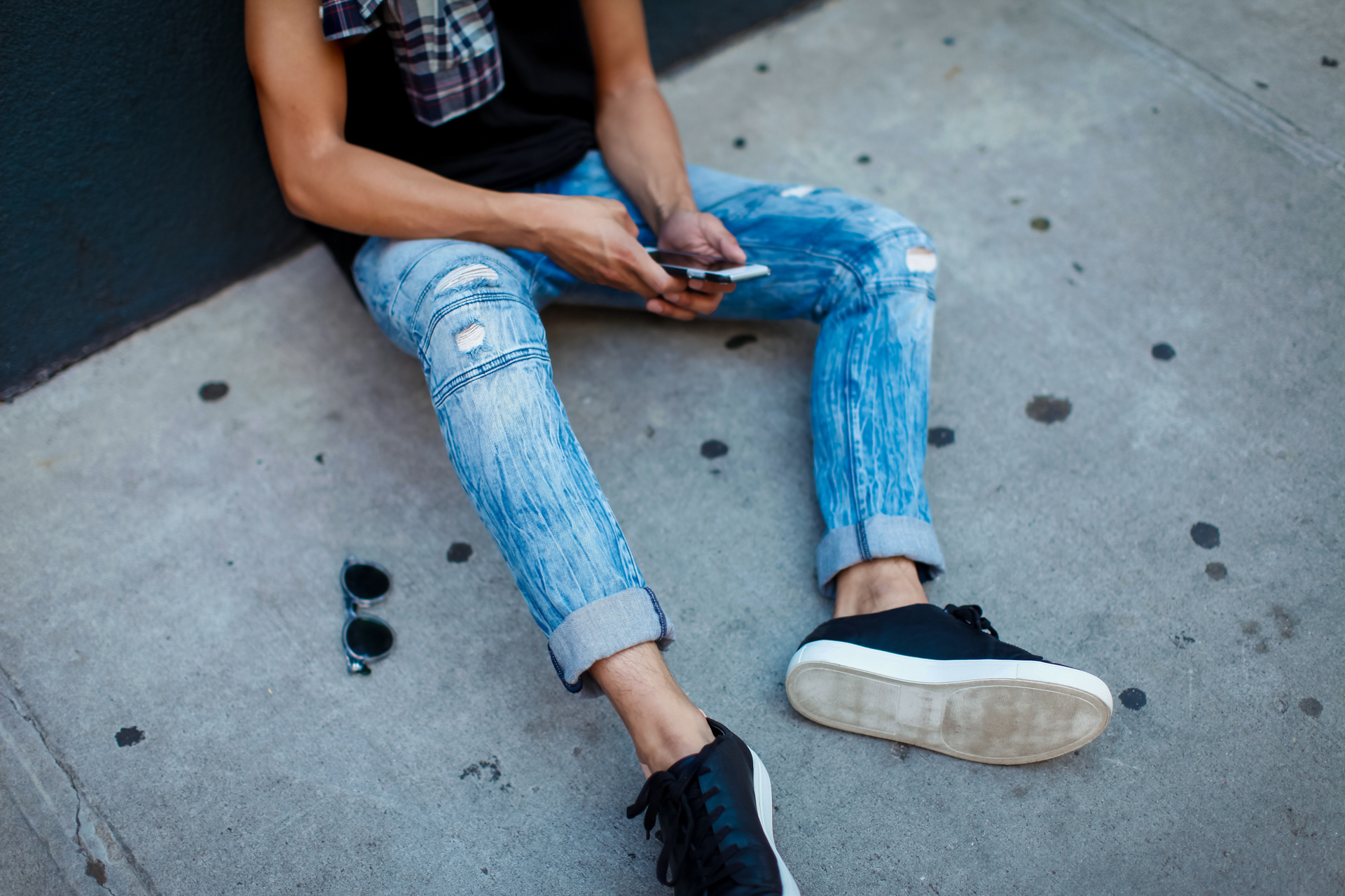 oh anthonio - Anthony Urbano - men's Express moto jeans outfit street style