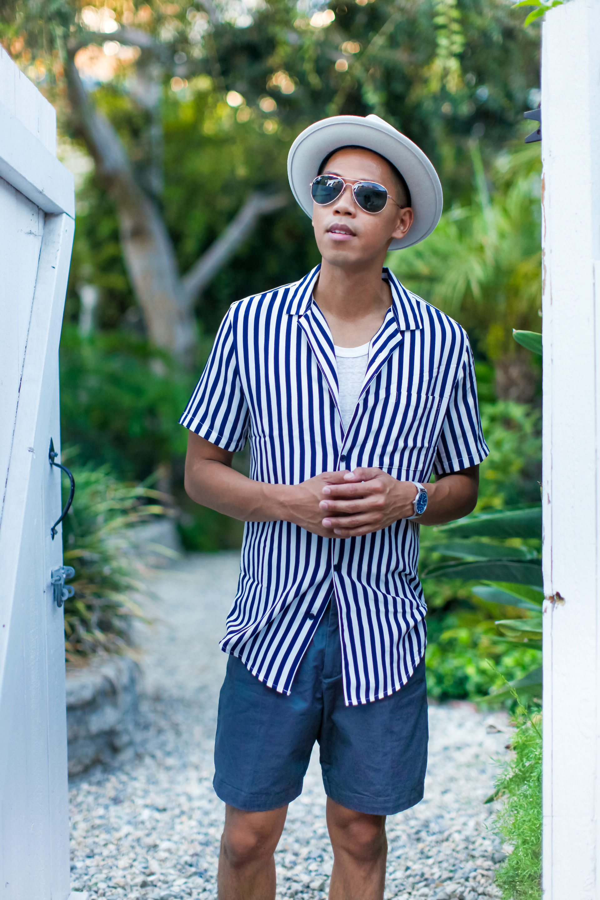 oh anthonio - Anthony Urbano - men's striped shirt pleated shorts outfit