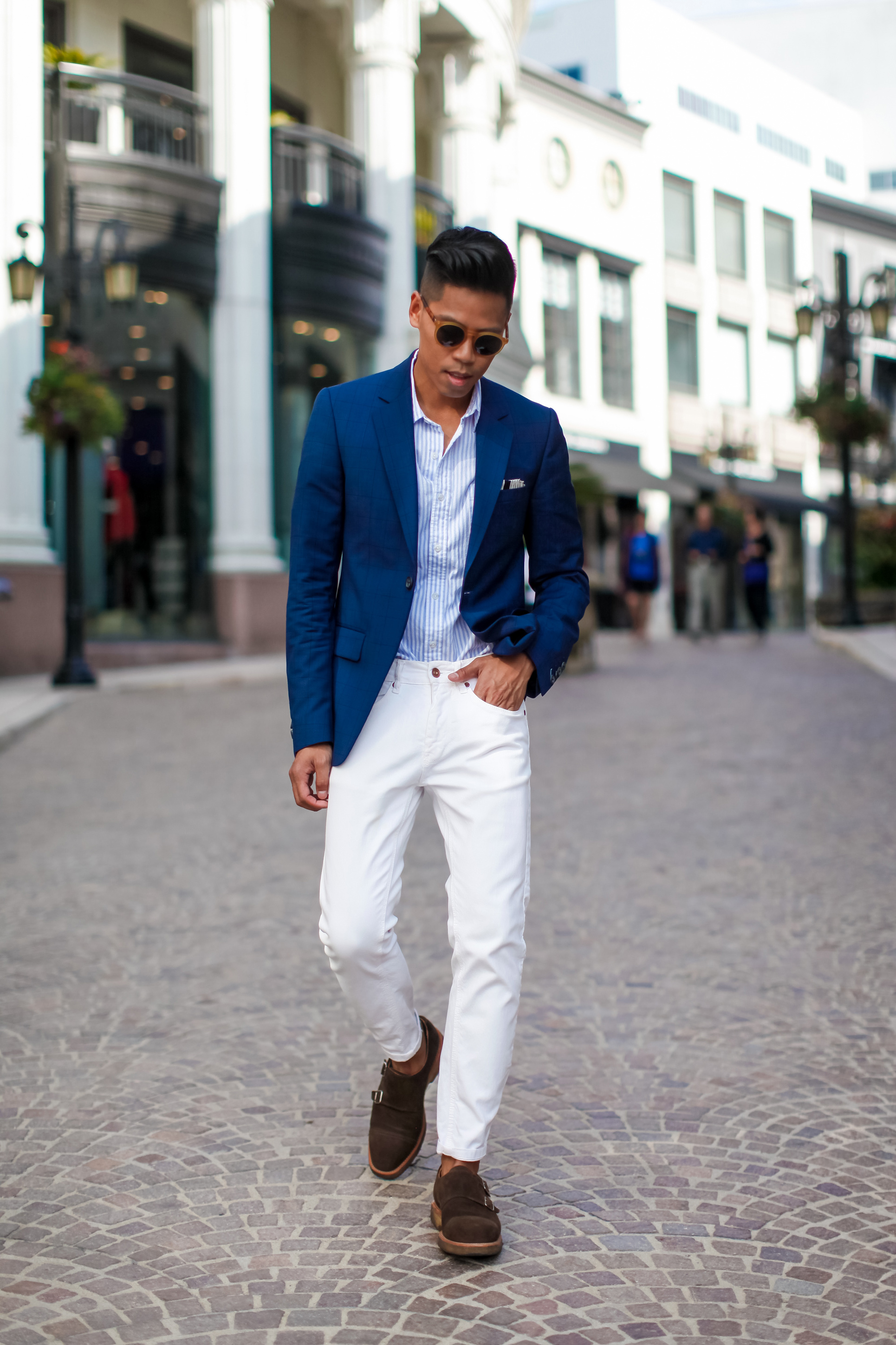 What to wear with blue blazer and jeans