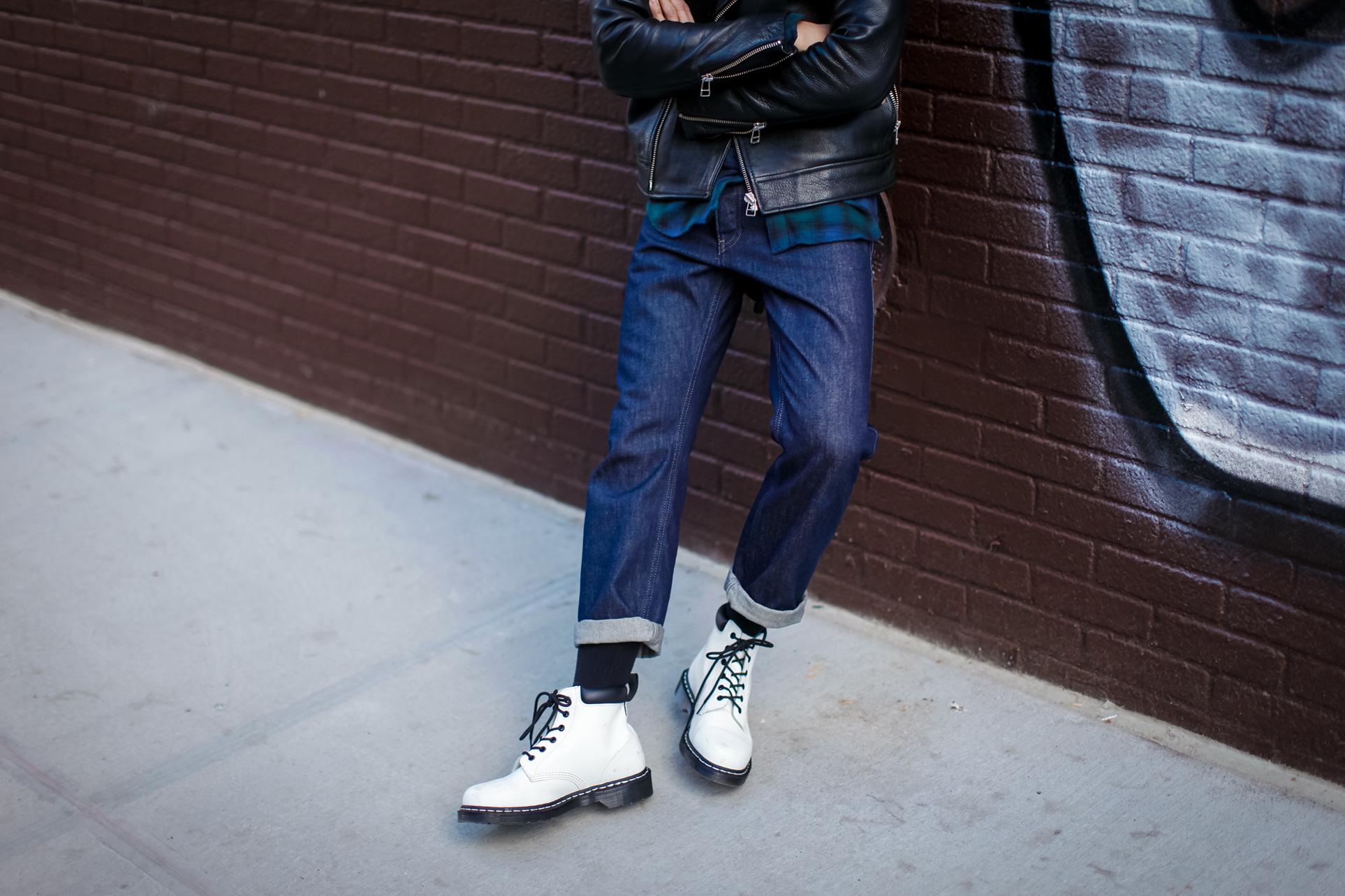 mens wide leg jeans trend