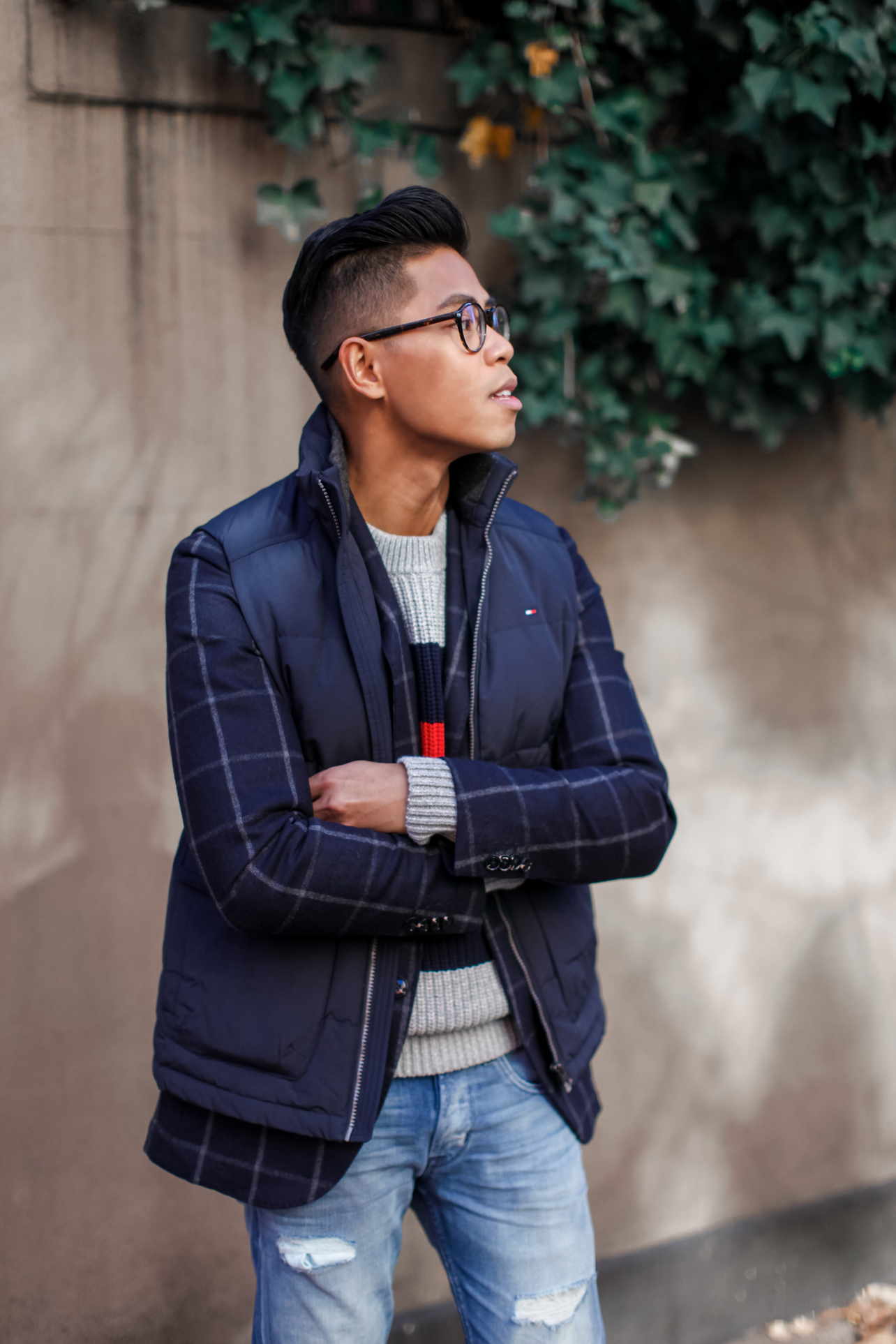 how to wear a vest over a blazer