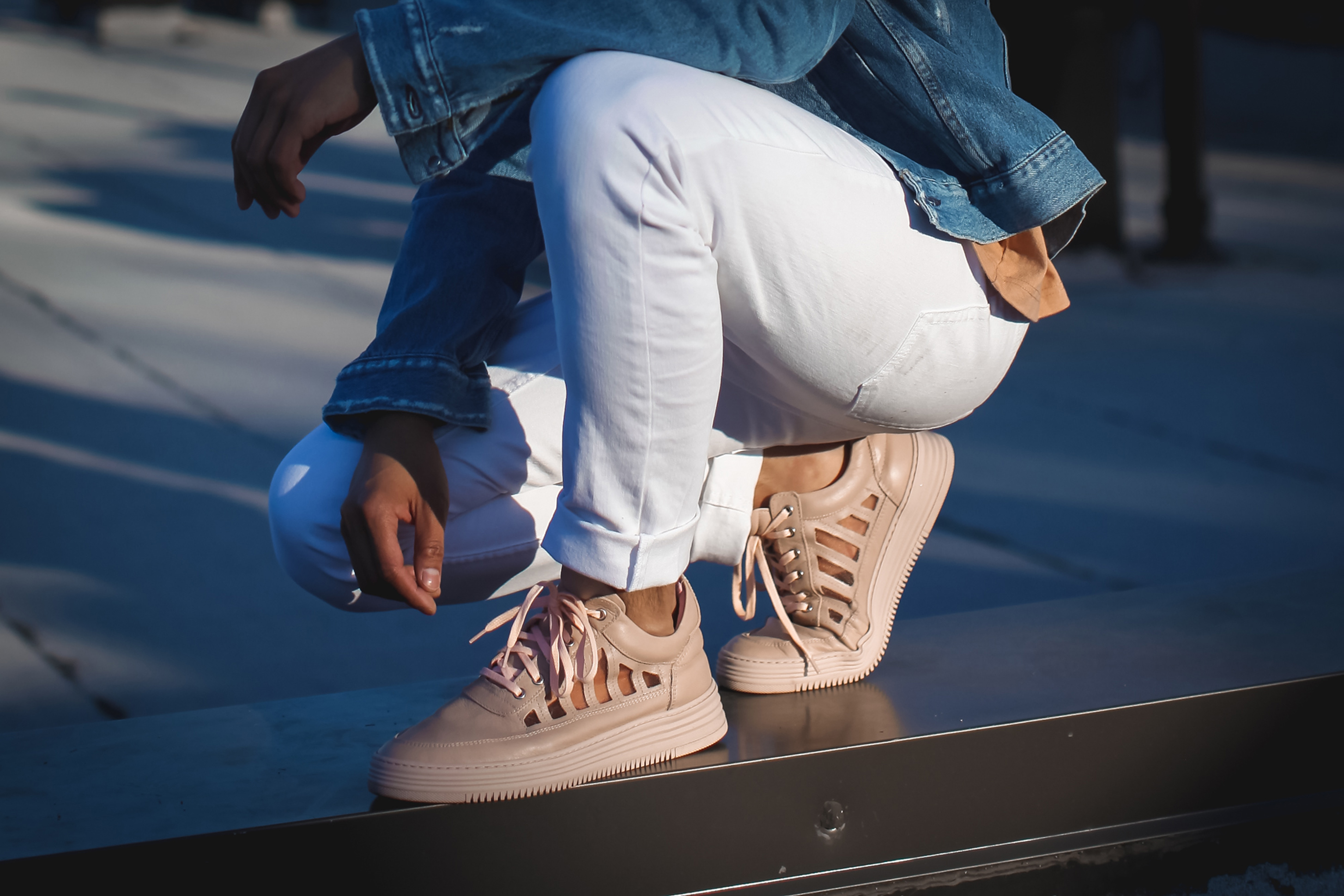 filling pieces nude low top cut out