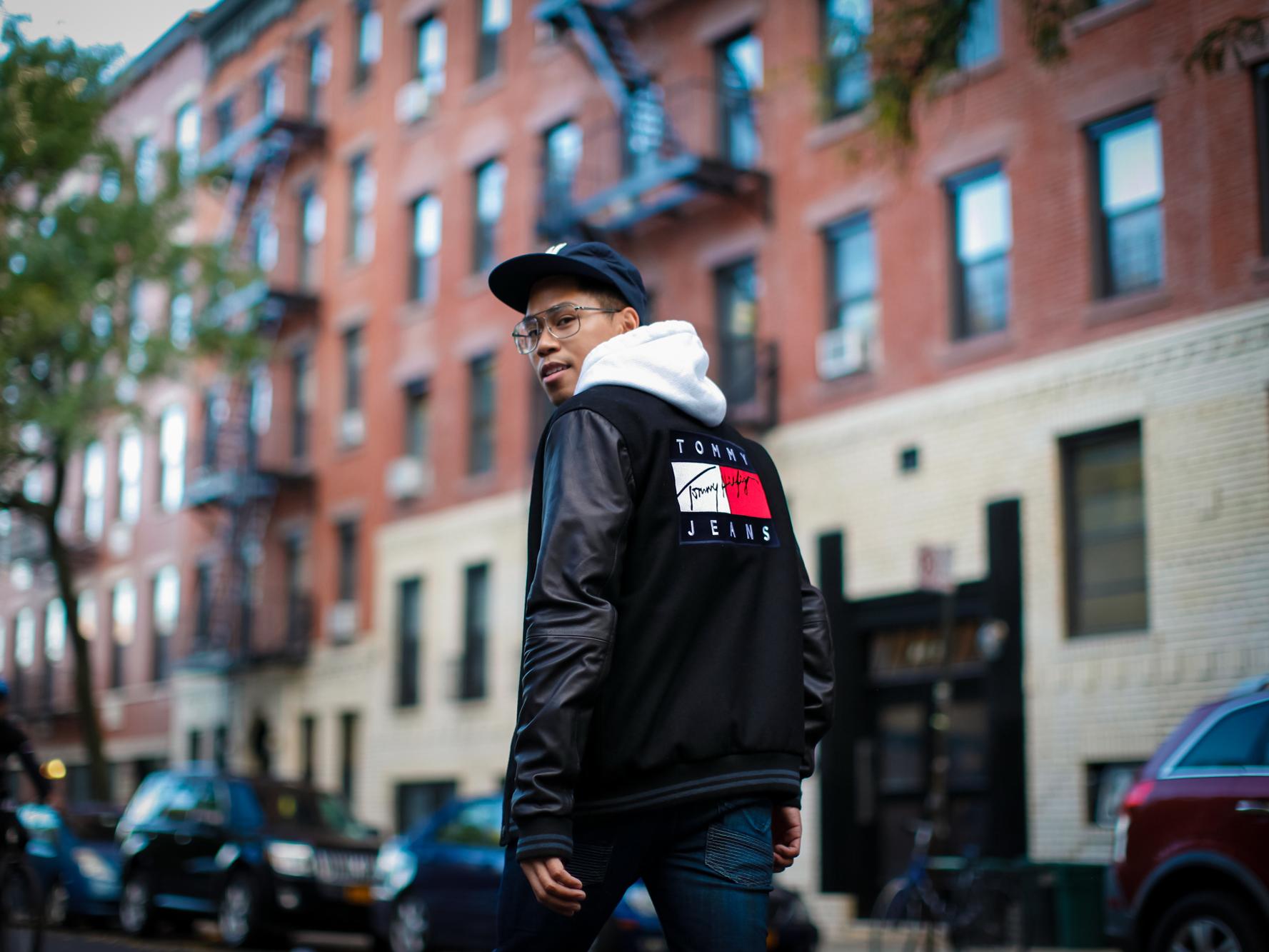 tommy hilfiger jeans logo varsity jacket