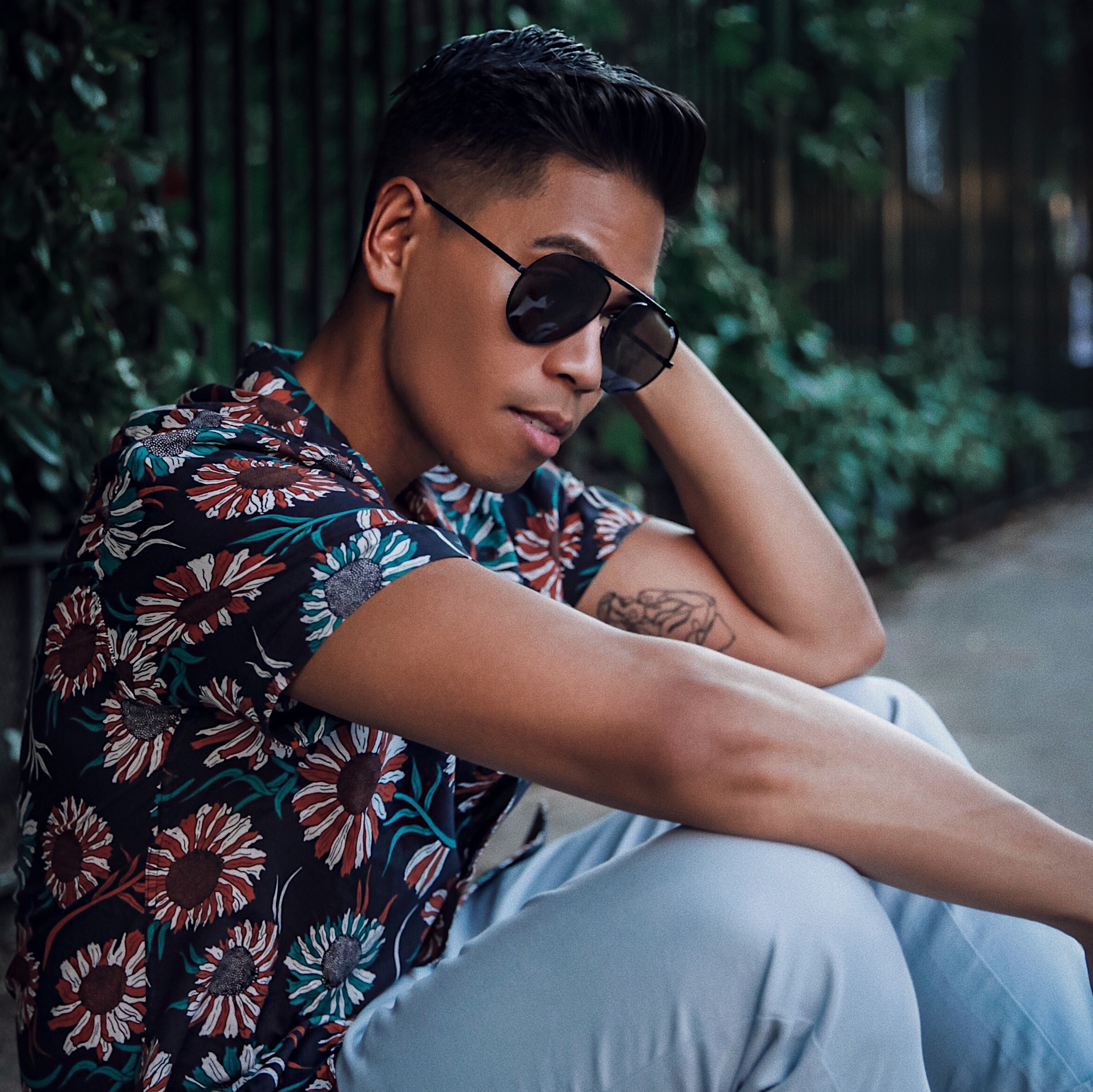 how to wear a floral shirt for guys street style