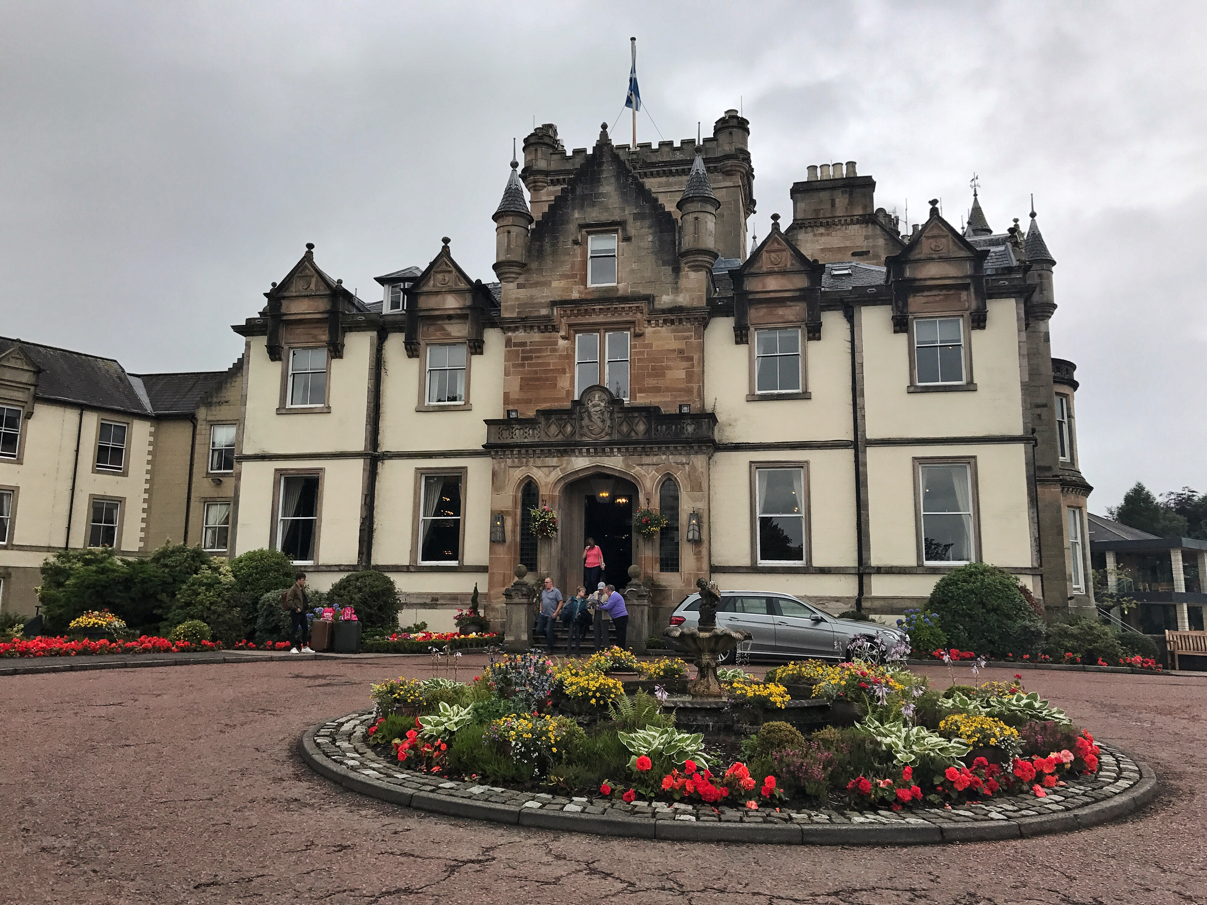 inveraray castle loch lomond visit scotland