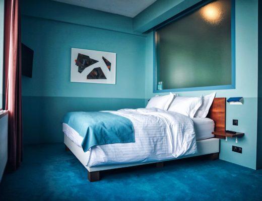 hostel vs hotel in reykjavik iceland with hostelworld blogger