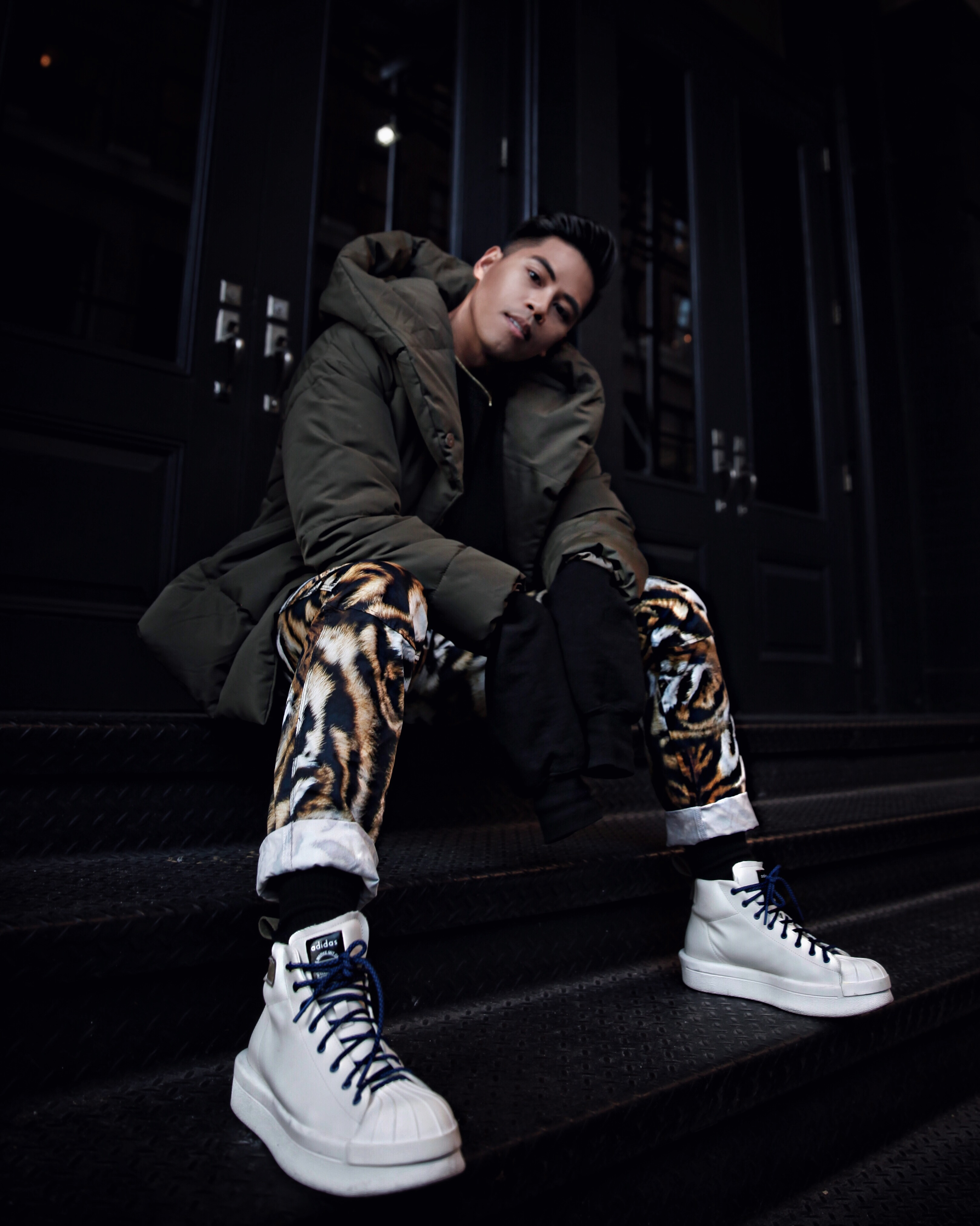 how to style the gstar raw elwood x25 printed jeans x pharrell