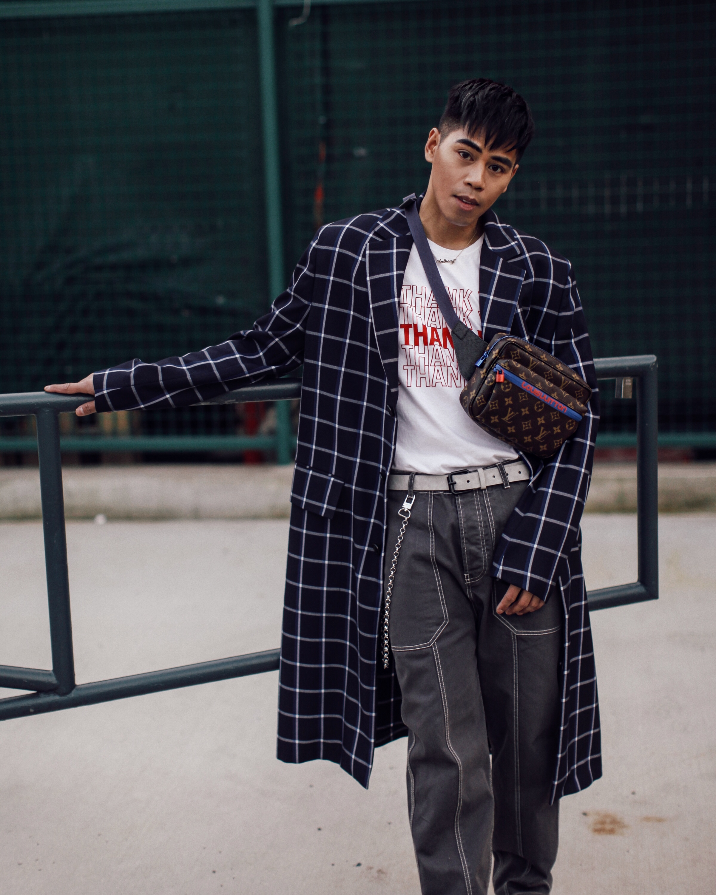 louis vuitton ss18 menswear crossbody bag street style blogger