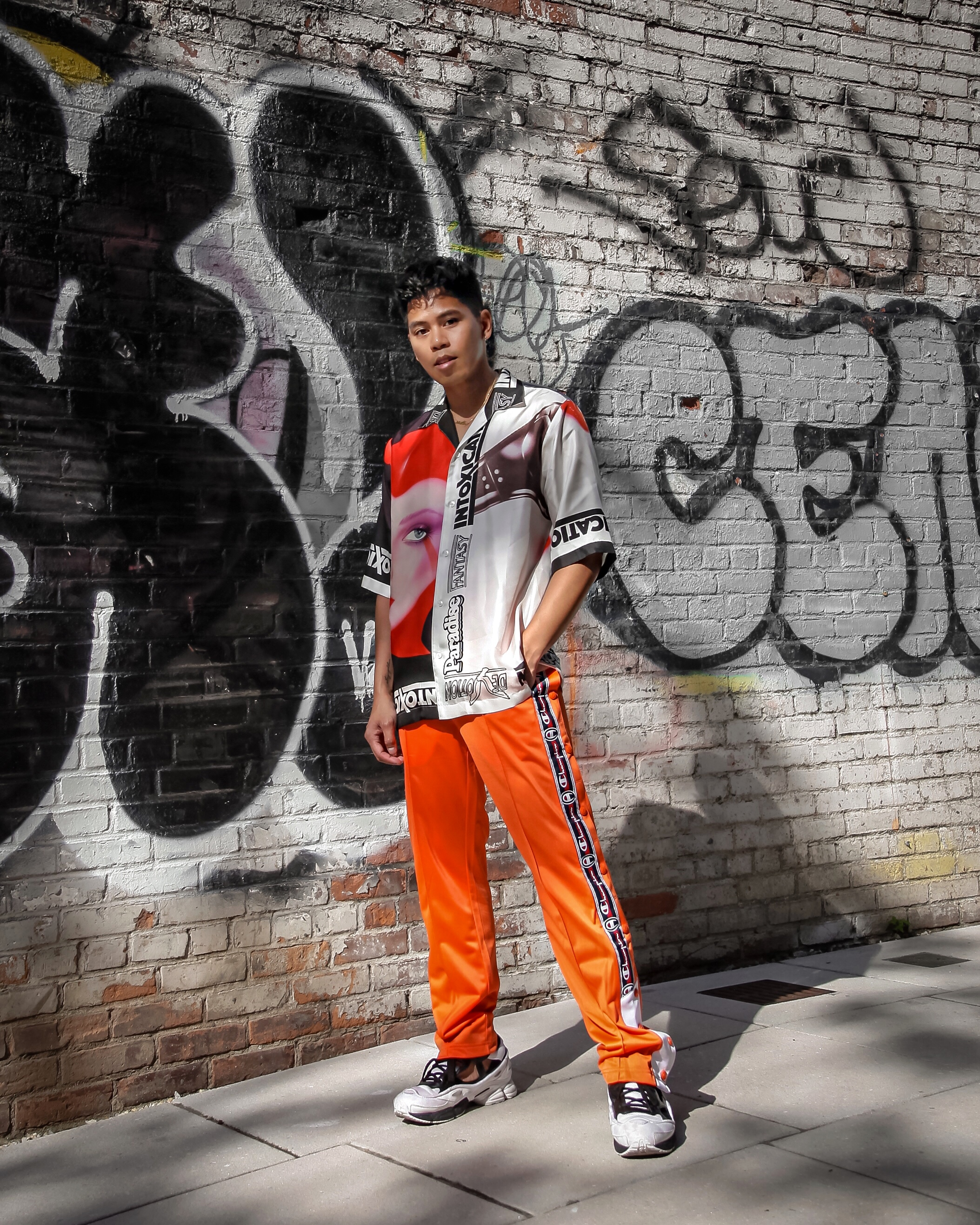 how to wear orange guys street style blogger